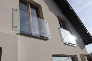 Balustrady samonośne na okna balkonowe - Realizacja Magdalenka pod Warszawą